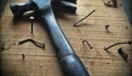 hammer-nails_pexels